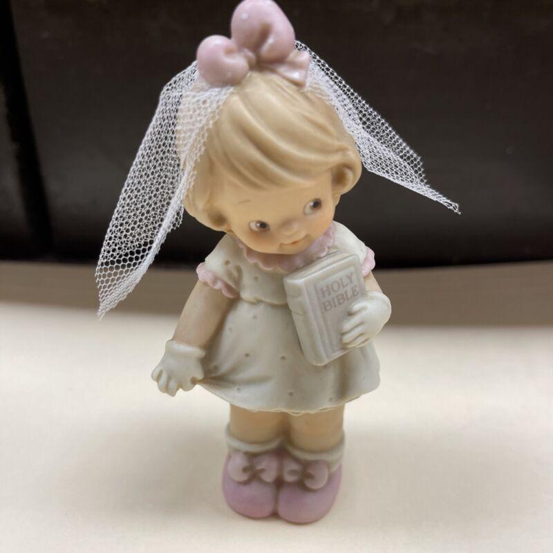 Memories of Yesterday Figure Communion Girl New 135186 1994