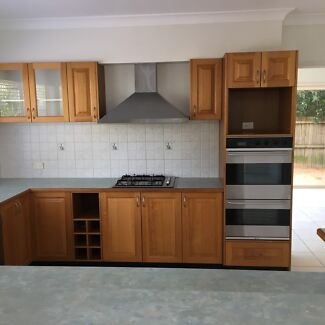 Good conditioned Dismantled kitchen cupboard