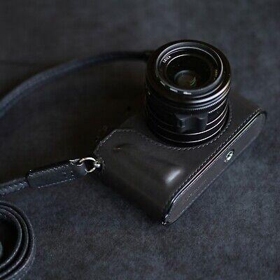 Leica Q2 monochrom case / Arte di mano