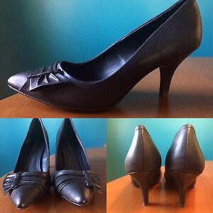 NEW Black Leather Heels Size 10