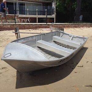 Tinny boat and motor Sutherland Sutherland Area Preview