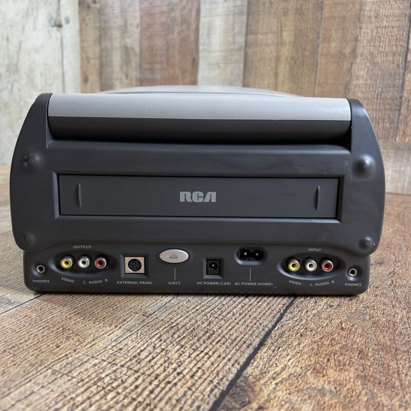***RARE*** RCA BLV552 VCR/Video Portable 12 Volt VHS Player Also Plugs Into Wall