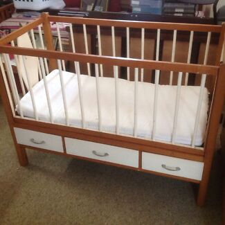 GORGEOUS SOLID WOODEN VINTAGE BABY COT WITH DRAWERS Stafford Brisbane North West Preview