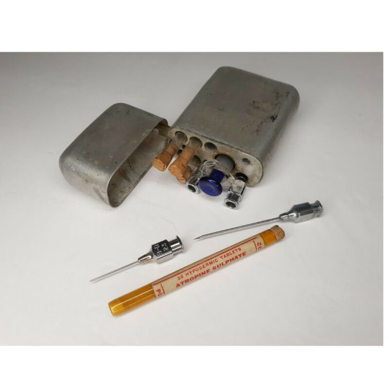 Antique Medical Surgical Kit Rare Syringe Needle  Case Injection Parke, Davis