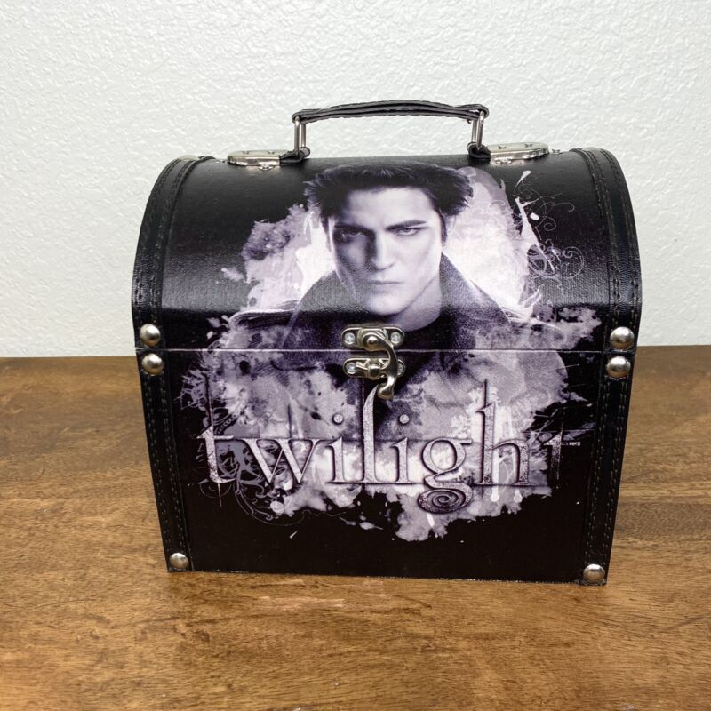 Twilight Edward Wooden Jewelry Box Carrying Case Treasure Chest Vampire NECA