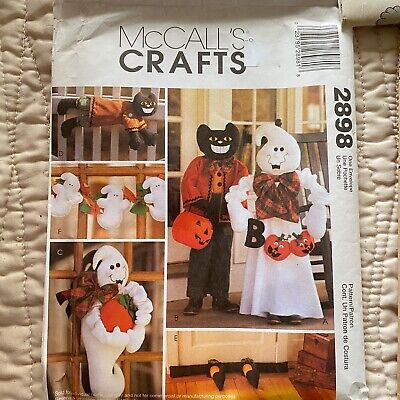 McCalls Crafts 2898 Pattern Halloween Decor Figures Ghosts Cats Garland Uncut