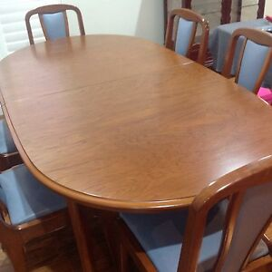 Extension Table and Six Chairs Albion Park Rail Shellharbour Area Preview