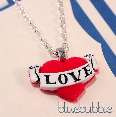 (FUNKY RED TATTOO LOVE HEART NECKLACE CUTE KITSCH RETRO SAILOR ROCKABILLY PIN UP)