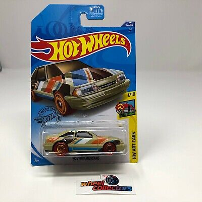 '92 Ford Mustang #90 * Tan * USA 2020 Hot Wheels Case L * T16