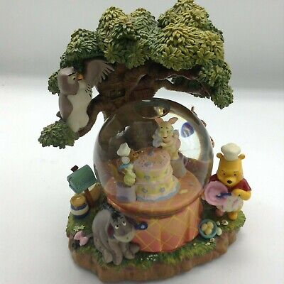 AWESOME MUSICAL WINNIE THE POOH AND FRIENDS BIRTHDAY PARTY RARE LARGE - Birthday Snow Globes