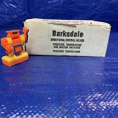 Barksdale Pressure Vacuum Switch Sensor 15Amp 125//250//480VAC NEW 9617-3-W