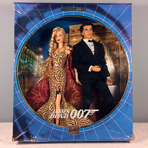 2002-James-Bond-007-Ken-and-Barbie-Giftset-Collector-Edition-NRFB