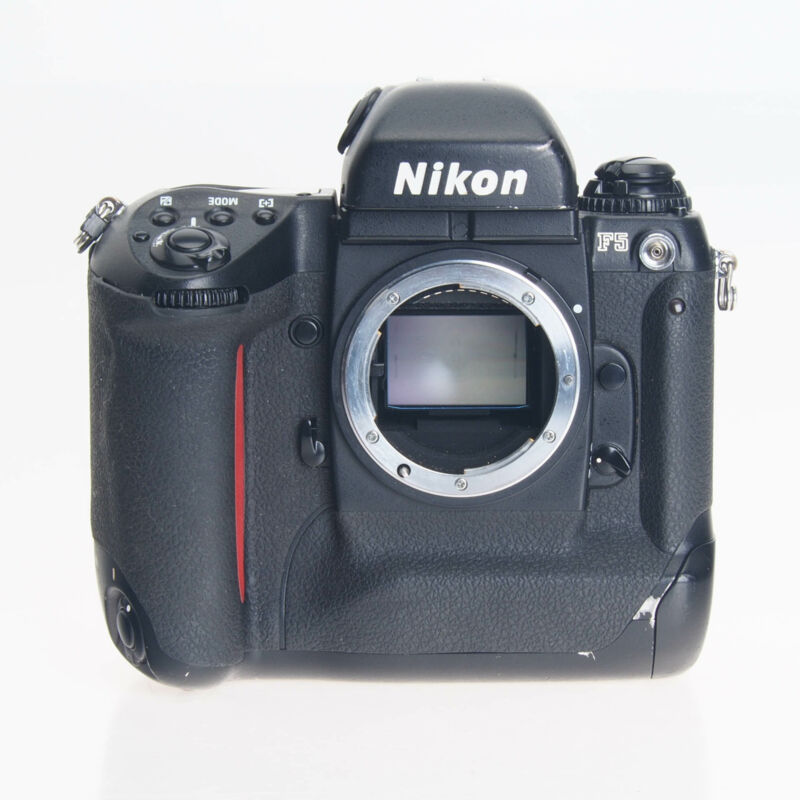 Nikon F5 35mm Film Professional Camera