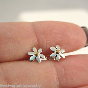Daisy Post Earrings -925 Sterling Silver Daisy Stud Earrings *NEW Flower Garden