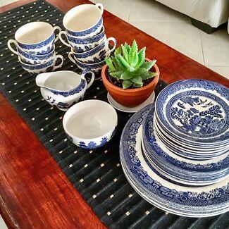 Blue Willow Johnson Bros England ceramic set