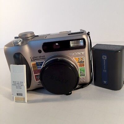 Sony Cybershot DSC-S75 Digital Camera w battery,  memory card For Parts AS IS