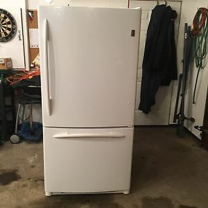 GE Profile™ ENERGY STAR® 22.2 Cu. Ft. Fridge / Freezer