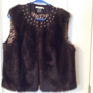 Nygard Faux Fur Vest - Medium