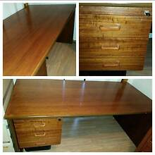 Spacious and beautiful solid wood desk Frenchs Forest Warringah Area Preview