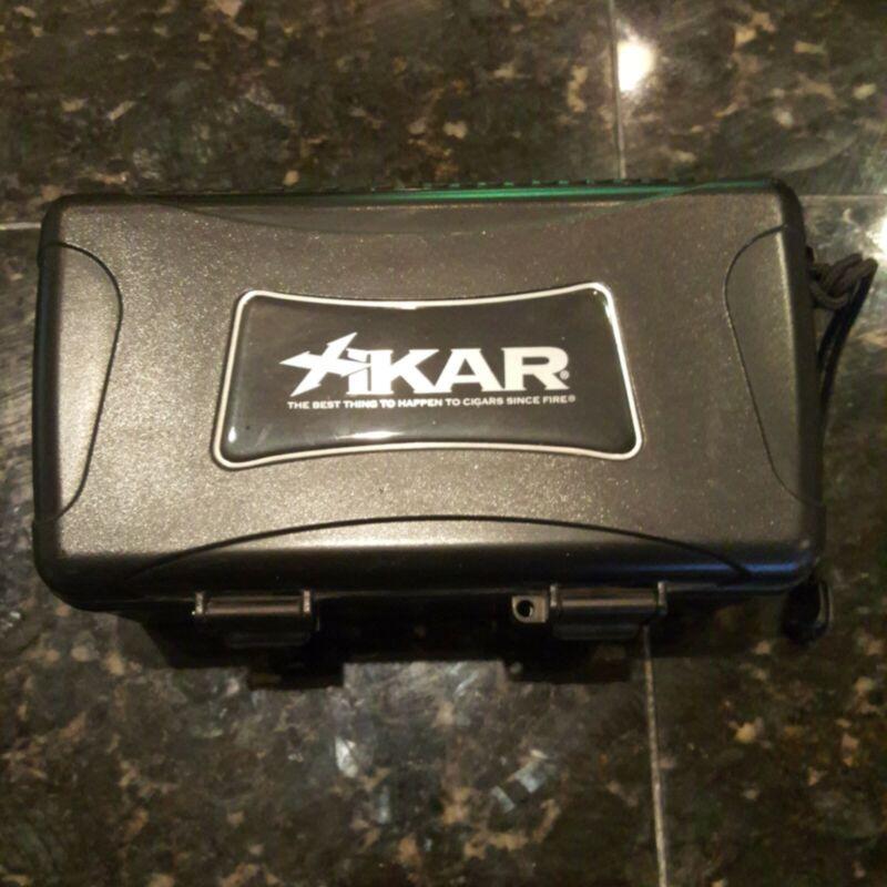 "XiKAR 10 Cigar Travel Case Humidor 8-1/2"" x 4-3/16"" x 3-7/8"""