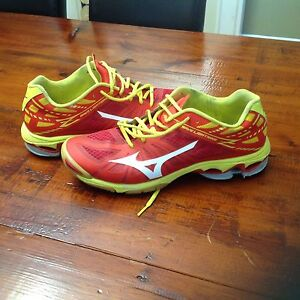 Mizuno Mens Volleyball Court Shoes size 10.5