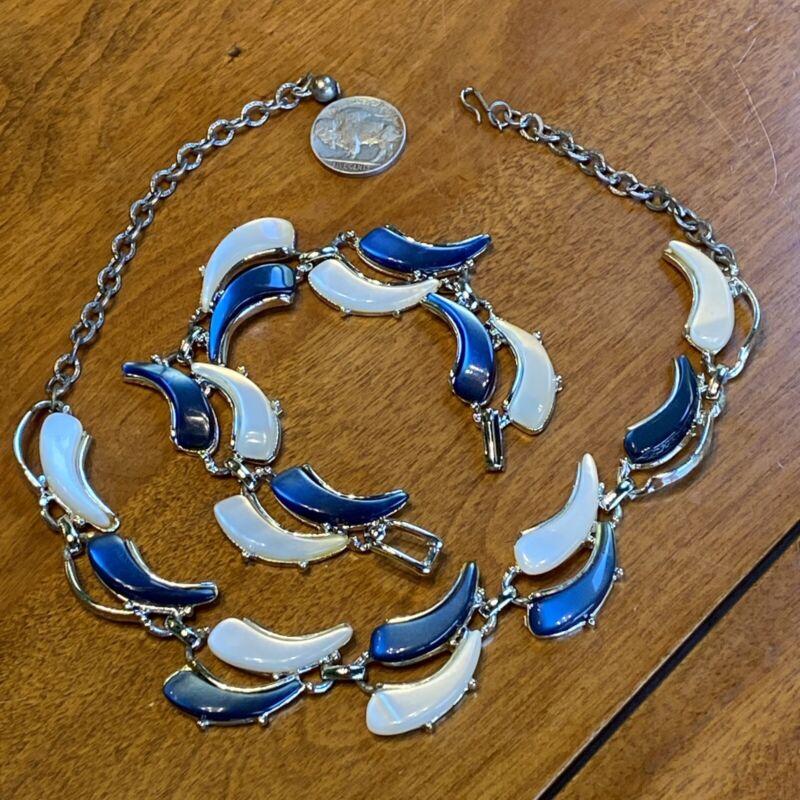 VNTG PEARL WHITE & PEARL BLUE THERMOSET GLOW SWOOSH Necklace Choker Bracelet Set