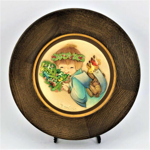 Vintage ANRI Christmas 1997 by Ferrandiz Handcrafted & Painted Hanging Plate