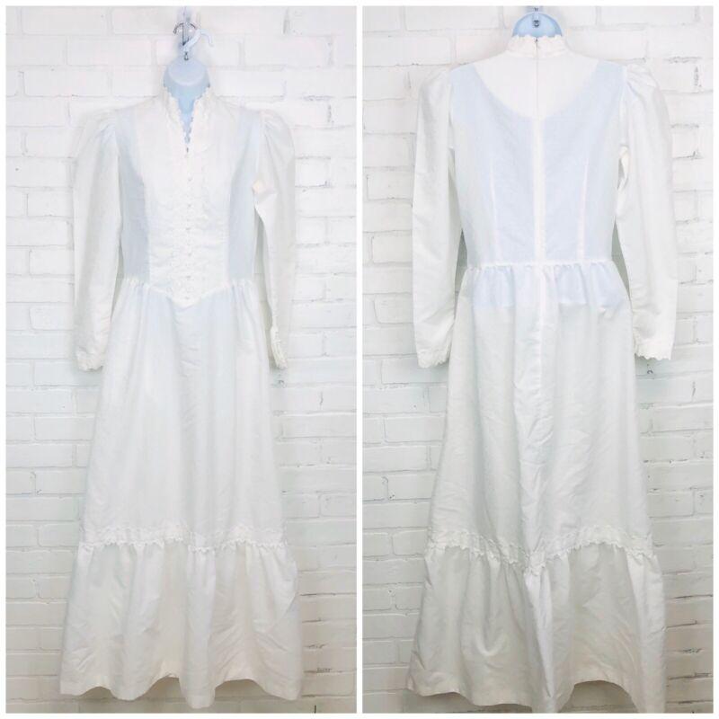 Vintage Simple Wedding Dress Sm White High Neck Faux Pearl Detail Study Pattern
