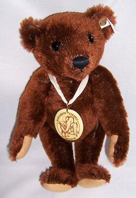 Steiff Teddy Margarete Steiff Museum Teddybaby 30 cm in rotbraun  Jahr 1999 Foto