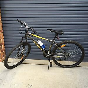 Men's Mountain Bike in brand new condition + new helmet Gordon Tuggeranong Preview