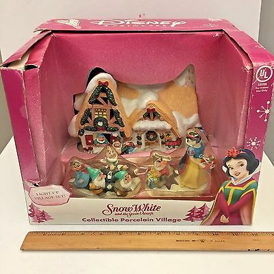 Walt Disney's Snow White and the Seven Dwarfs 2004 Collectible Porcelain Village