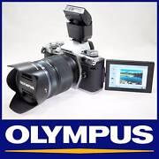 OLYMPUS E-M5 EM5 MARK II 16MP DIGITAL CAMERA KIT W/ 14-150MM LENS St Leonards Willoughby Area Preview