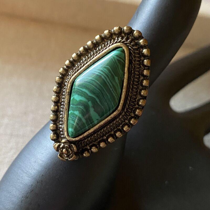 Vintage Fashion Diamond Shape Green Stone Womens Ring Size 6.5