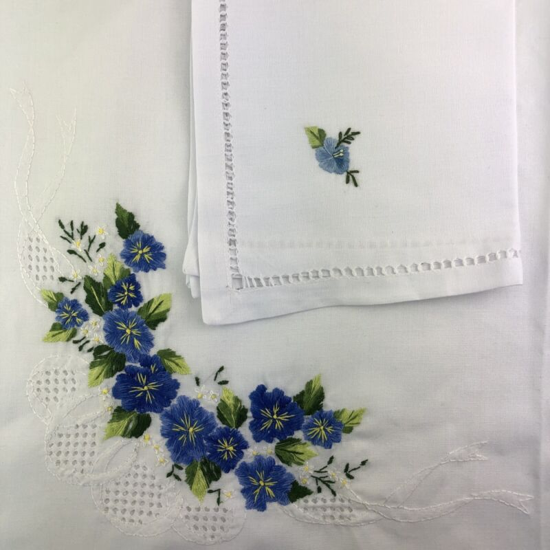 """Vintage Blue White Floral Embroidered Tablecloth (74"""" x 56"""") and 8 Napkin Set"""