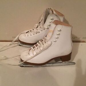 Figure Skates - Kids Various Sizes