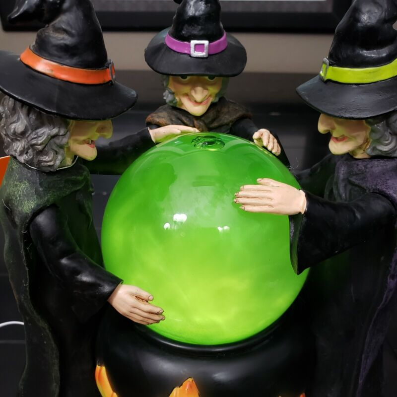 Halloween Witches with Motion Light Up Bubbling Potion Cauldron NWT