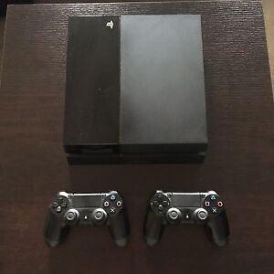 2 Controller 500GB PS4/Games