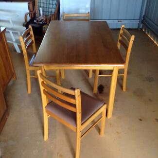 Dining Suite 4 Chairs