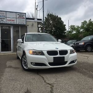 2011 BMW 323i LUXURY | ACCIDENT FREE | LOW KMS | $203 BIWEEKLY