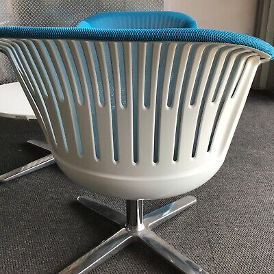 Steelcase I2i Chair With 3 D Collaborative. Fully Loaded Blue Sky Fabric Lounge