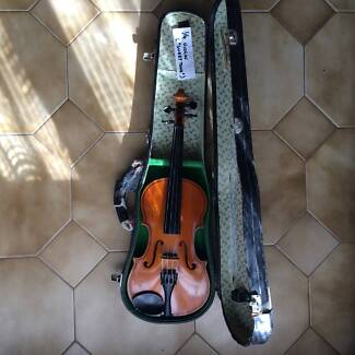 VIOLINS FOR AGES 5-7 & 7-9 BOTH WITH CASES 2 OF