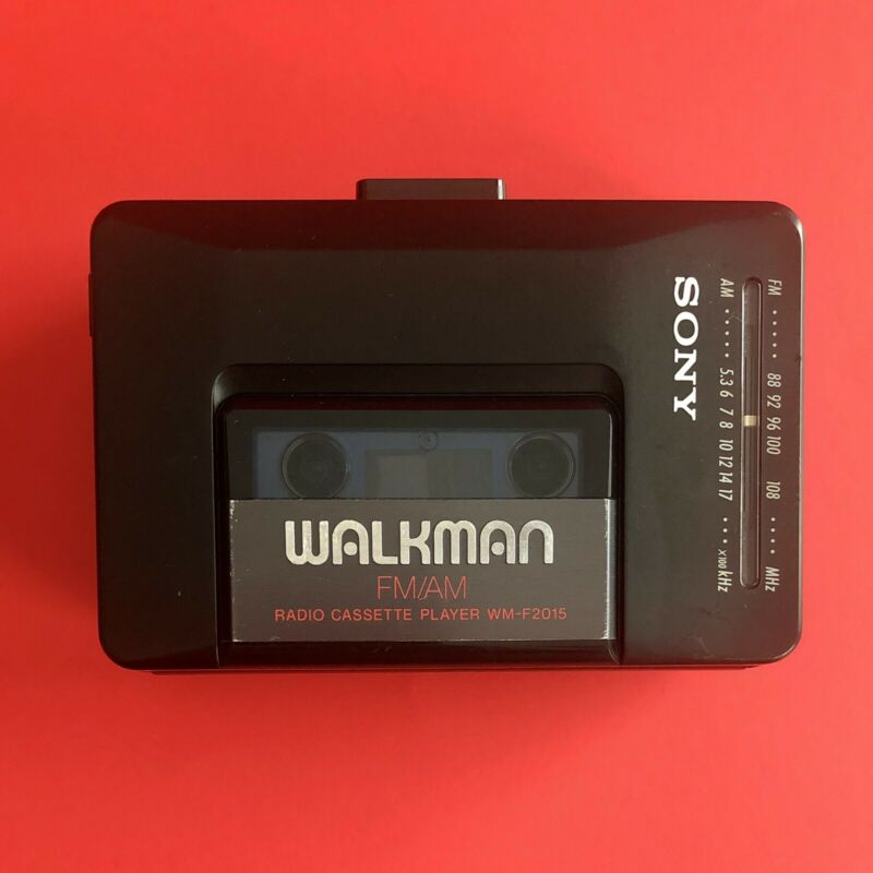 Sony WM-F2015 FM/AM Audio Cassette Tape Walkman - Tested And Working