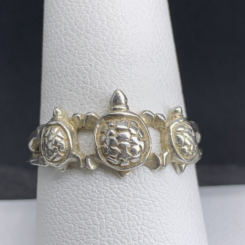 Vintage 925 Sterling Silver Ring With Turtles Size 8.75