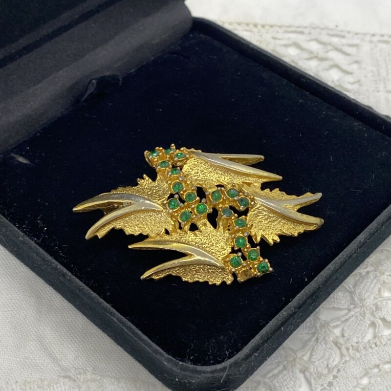 VINTAGE 70s Brutalist Inspired Brooch Gold Tone Green Sparkly Abstract Leaf