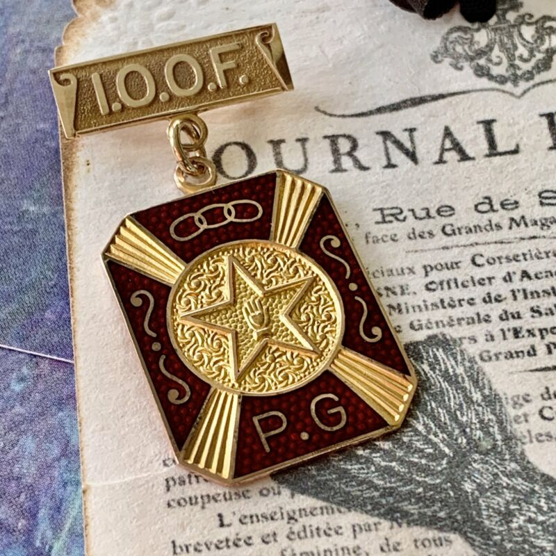 10K Yellow Gold Antique International Order of Odd Fellows Past Grand Pin