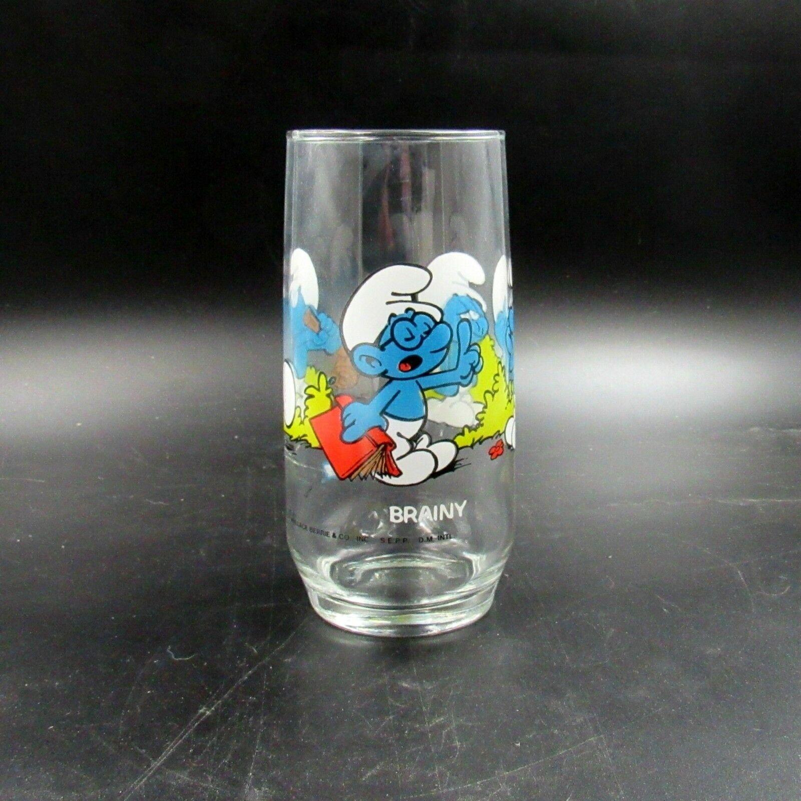 Vintage Peyo 1982 Brainy Smurf Glass (JC)