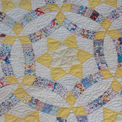 """Vintage Handmade Quilt Wedding Ring 73"""" X 75"""" Yellow Blue Red Pink"""