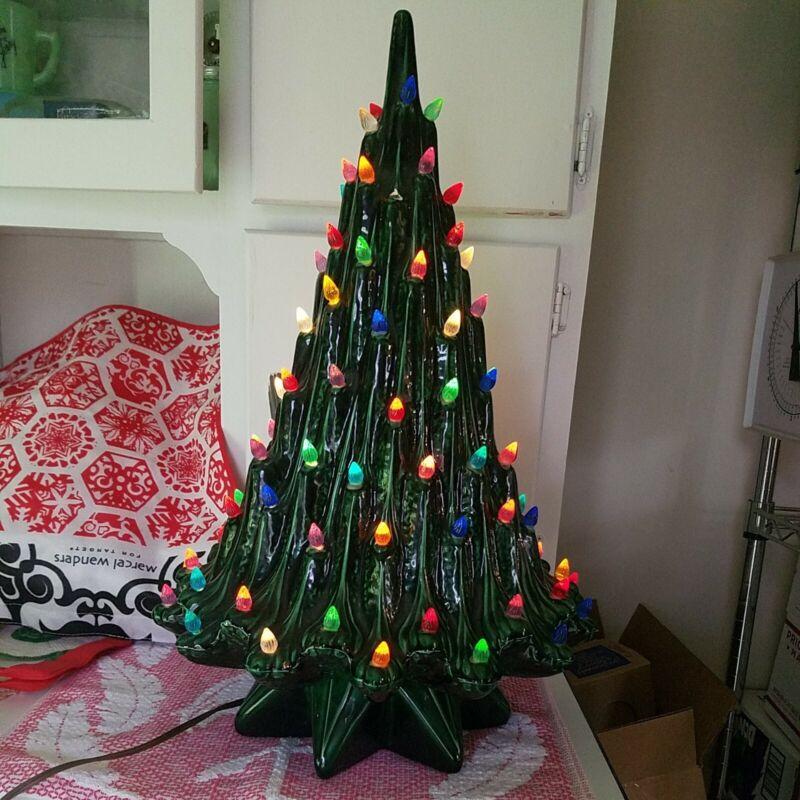 Atlanta Mold Christmas tree Volcano Lava Vintage Green Authentic