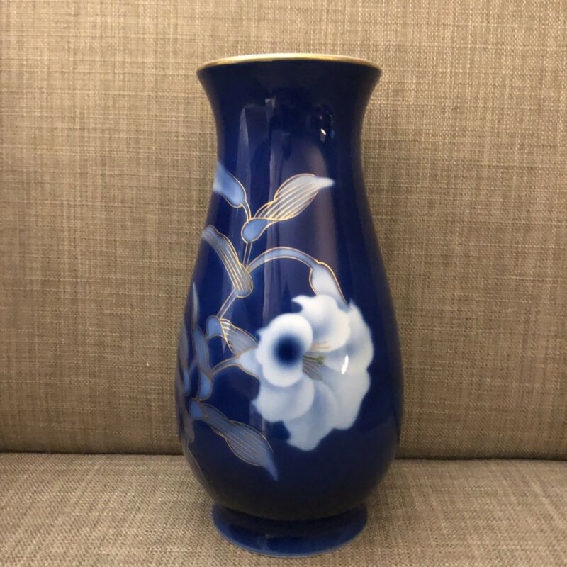 Fukagawa Arita Cobalt Vase with White Flowers Lined with Gold Recent Mark