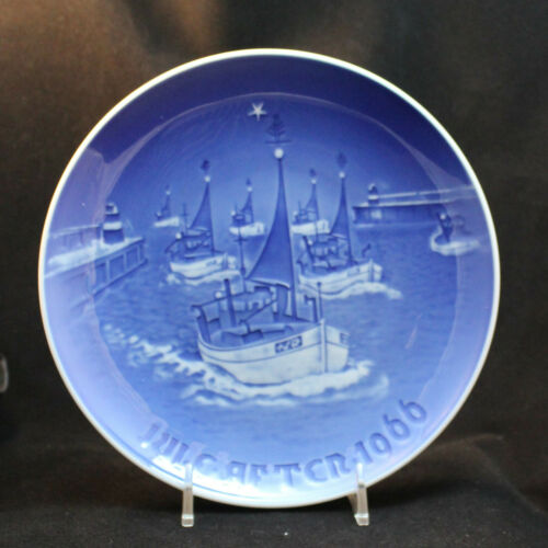 1966 Bing Grondahl ~  Boats Home for Christmas plate juleaften